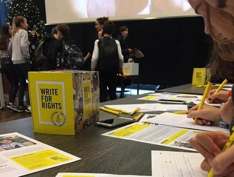 Amnesty_schrijfactie_2018_St.-Nicolaaslyceum_5a